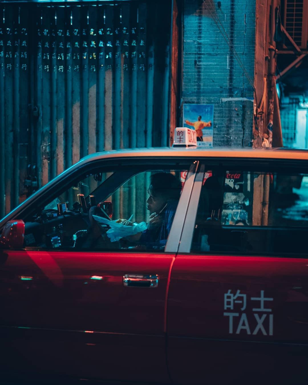 Потрясающие улицы Гонконга на снимках Энди Кнайвеса