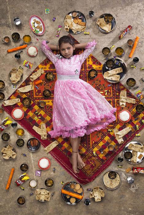 Еженедельный рацион детей разных стран на снимках