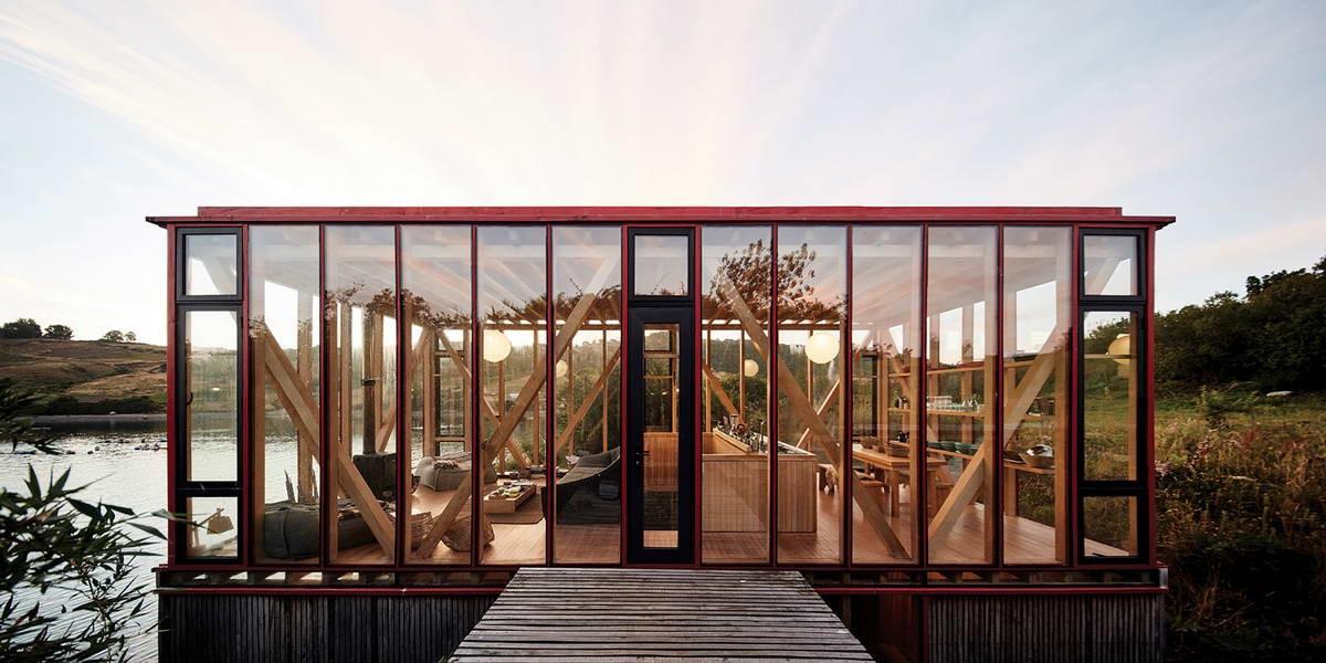 Тройной деревянный дом с лестницей в Чили