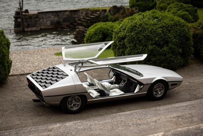 Необычный концепт-кар Lamborghini Marzal с футуристичным дизайном 1967 года