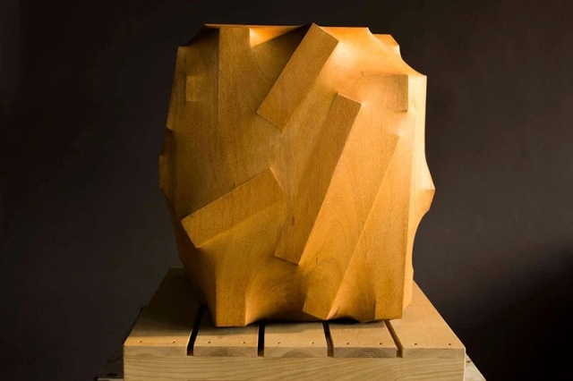 Мастерская резьба по дереву от тайваньского скульптора