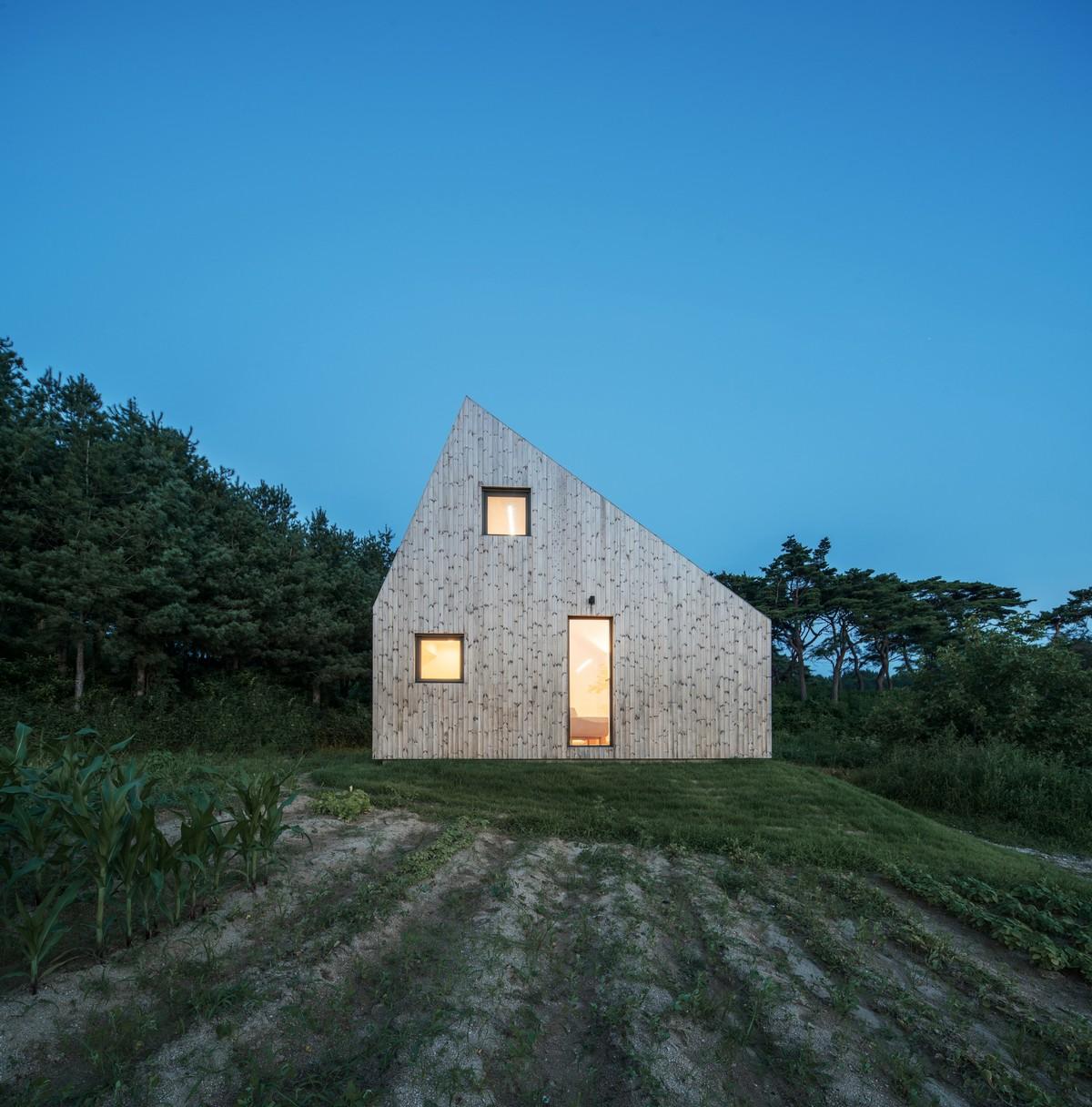 Сдвинутый дом в Южной Корее