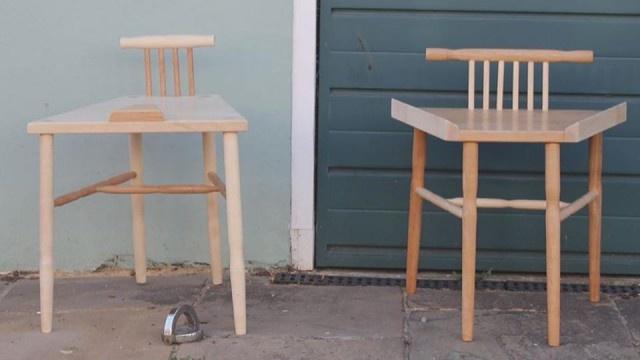 Феминистки разработали стулья для мужчин и для женщин