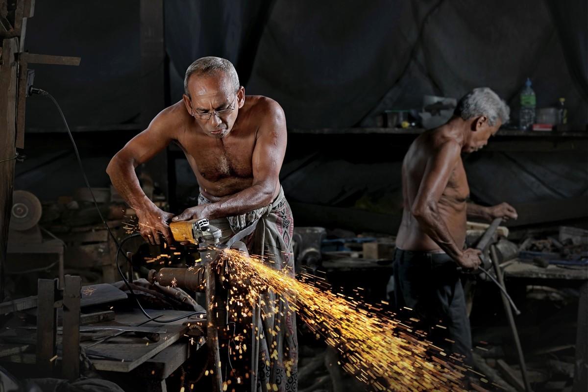 Конкурс #Work2019 со снимками людей на рабочих местах в разных странах мира