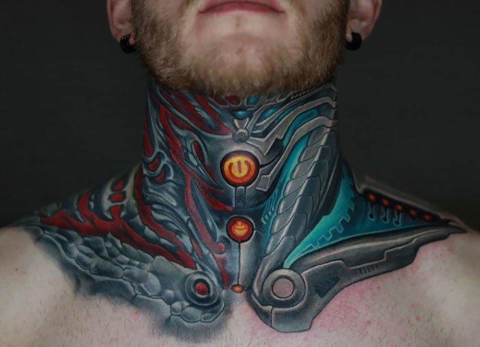 Креативные татуировки на шее