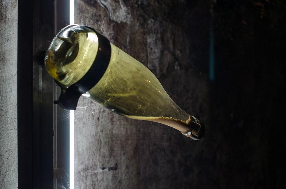 Для чего у винных бутылок вогнутое дно