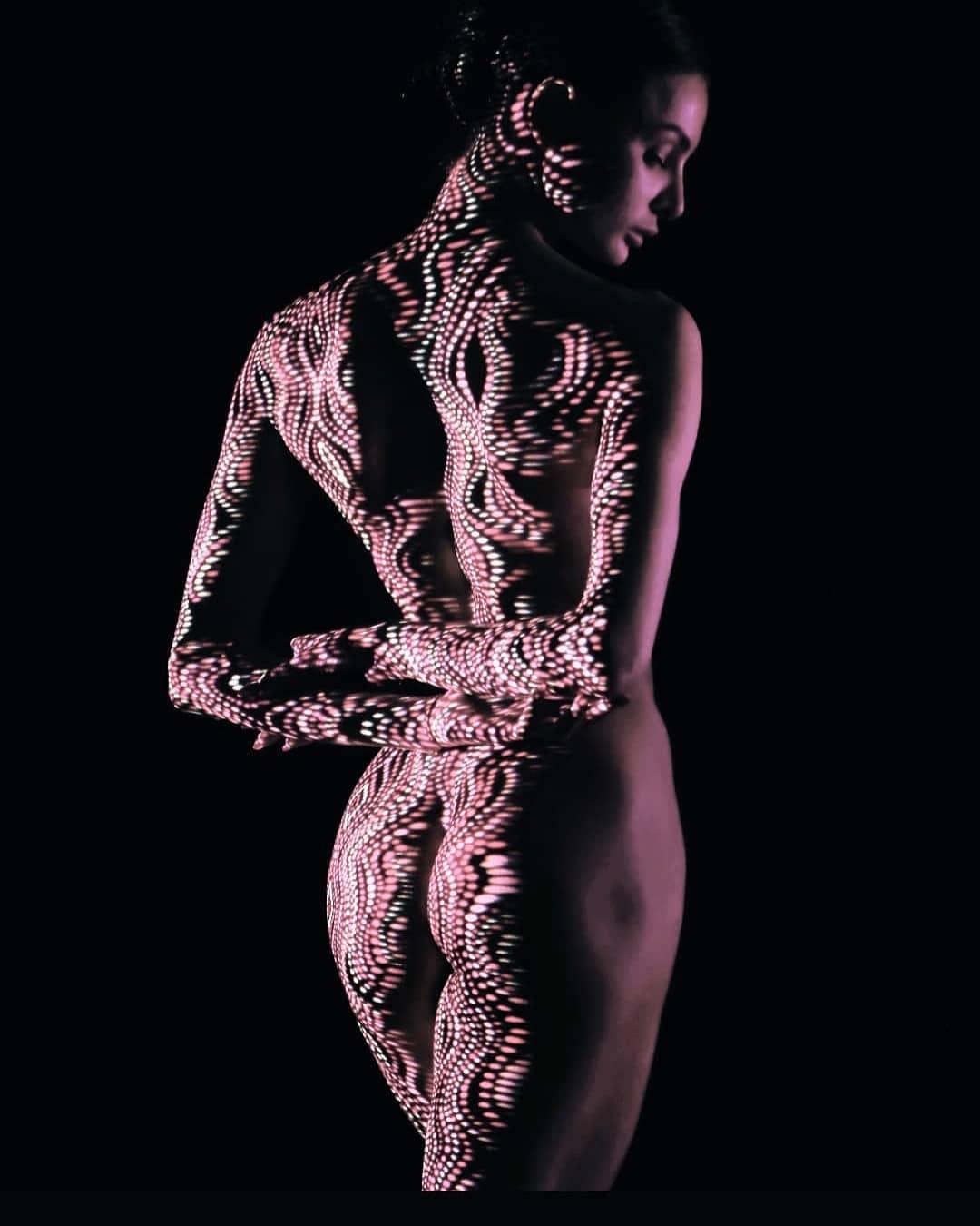 Одетые в свет на снимках Дани Оливье