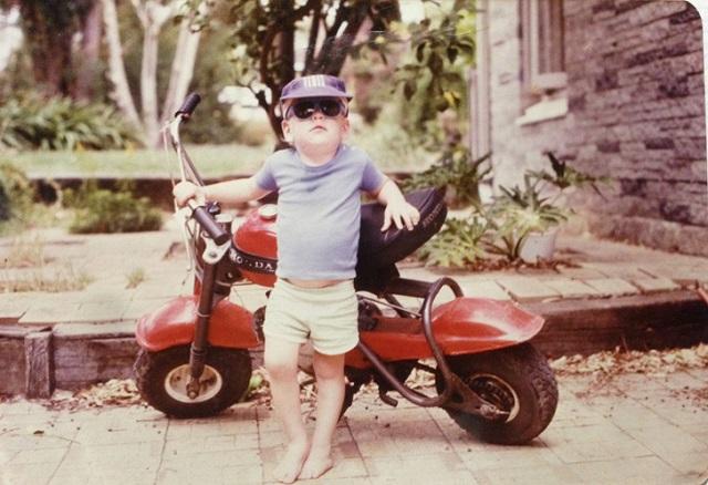 Пользователи соцсетей делятся своими крутыми детскими фотографиями