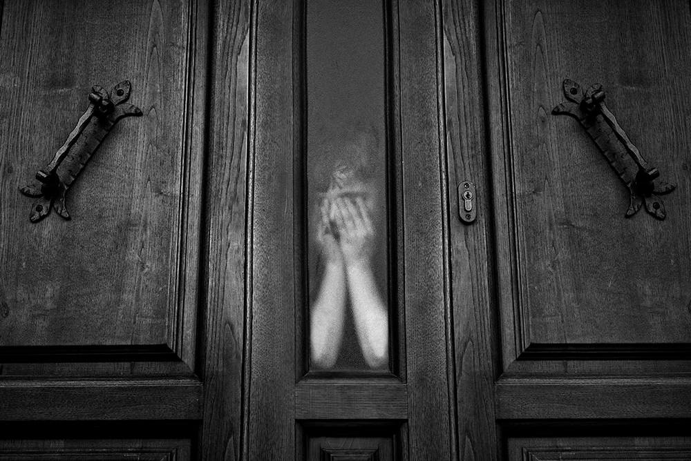 Магические чёрно-белые уличные фотографии от Гая Коэна