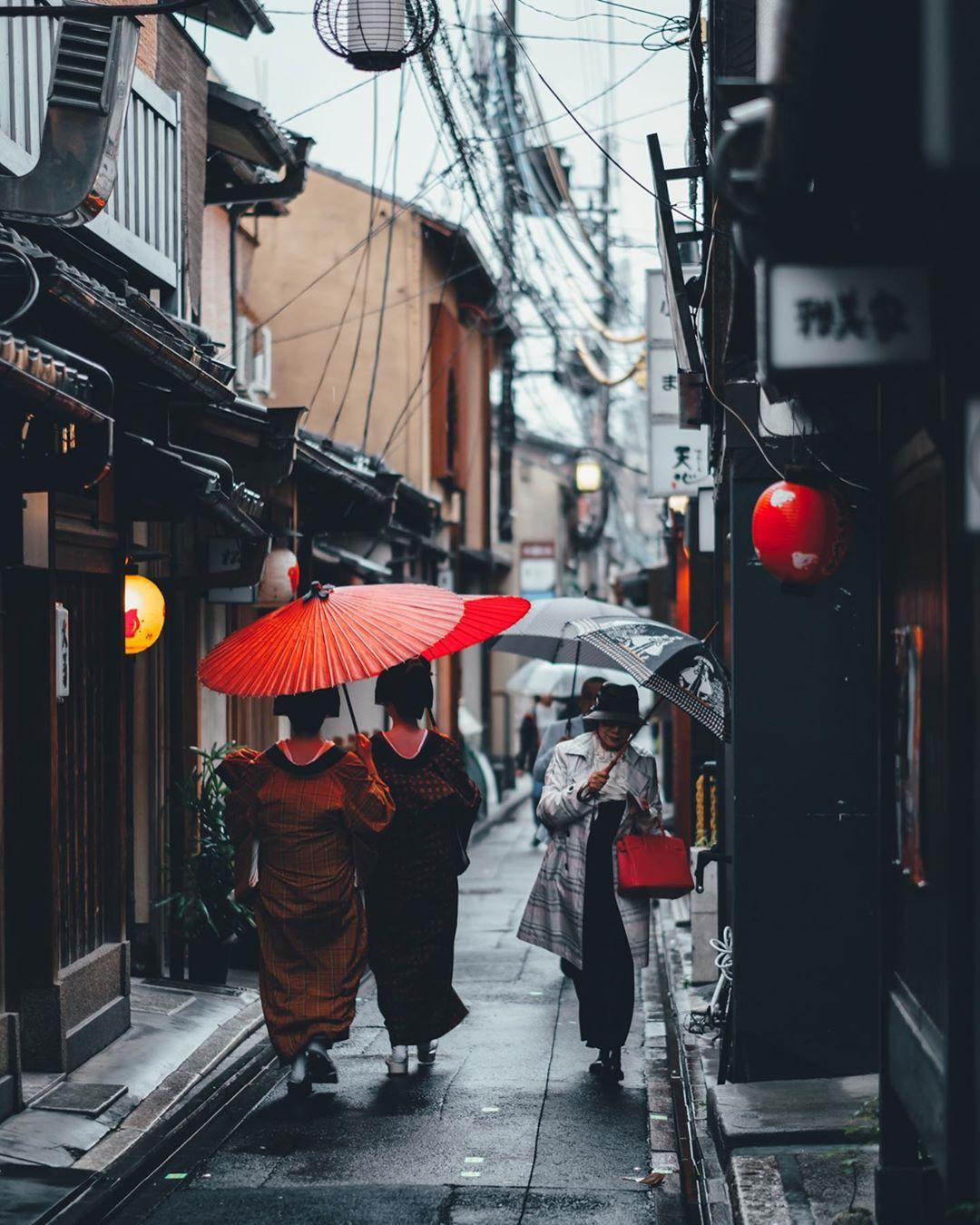 Городские пейзажи и уличные снимки Японии от Хиро Гото
