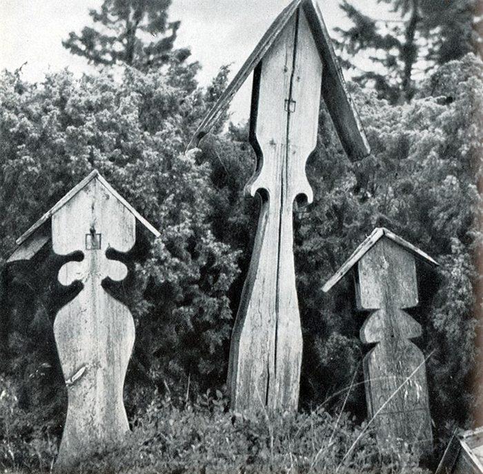 Почему церковь запретила ставить кресты с крышей
