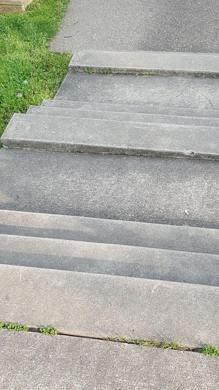Примеры небезопасного дизайна лестниц
