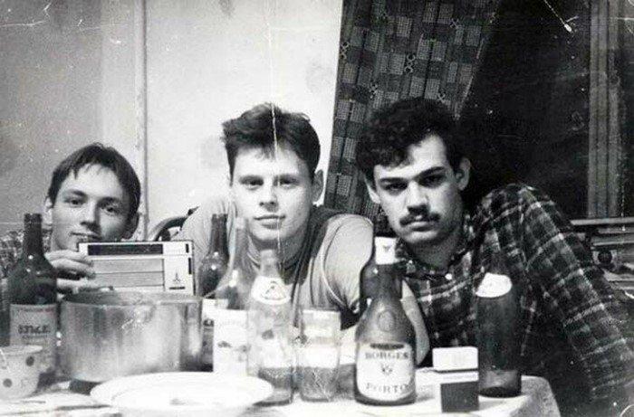 20 ностальгических фото о том, как одевалась советская молодежь