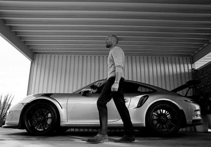 На каких автомобилях ездят Дуэйн Джонсон и Джейсон Стэйтем в реальной жизни