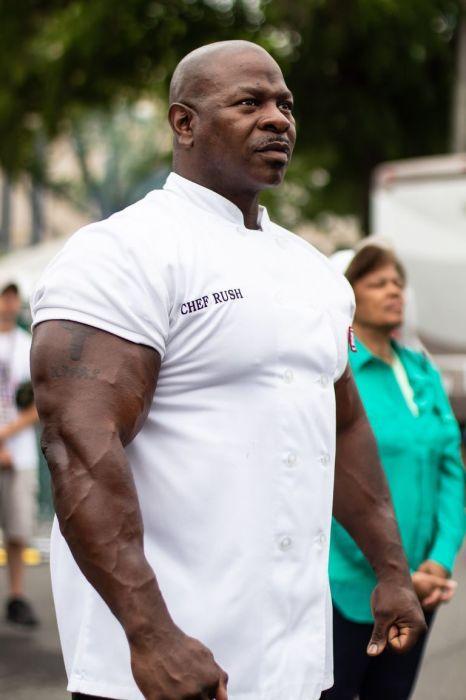 Андре Раш - мускулистый шеф-повар Белого дома