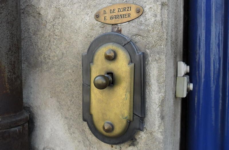 Из истории дверного звонка