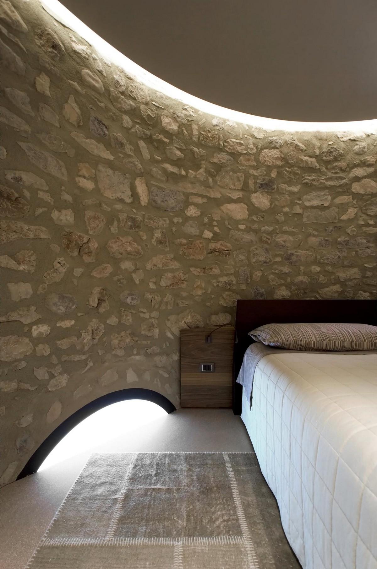 Старую башню превратили в современный дом в Италии
