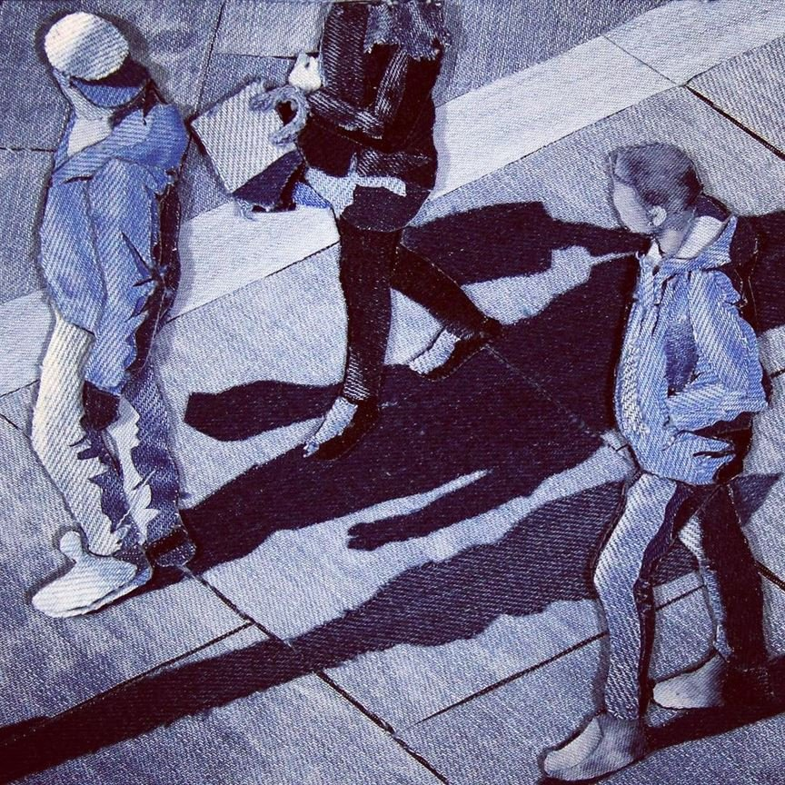 Художник превращает старые джинсы в прекрасные картины