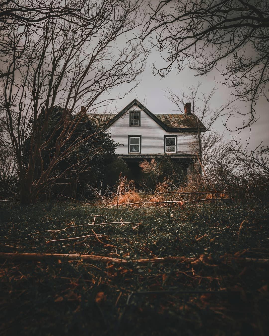 Заброшенные дома на снимках Кайла Бойкина