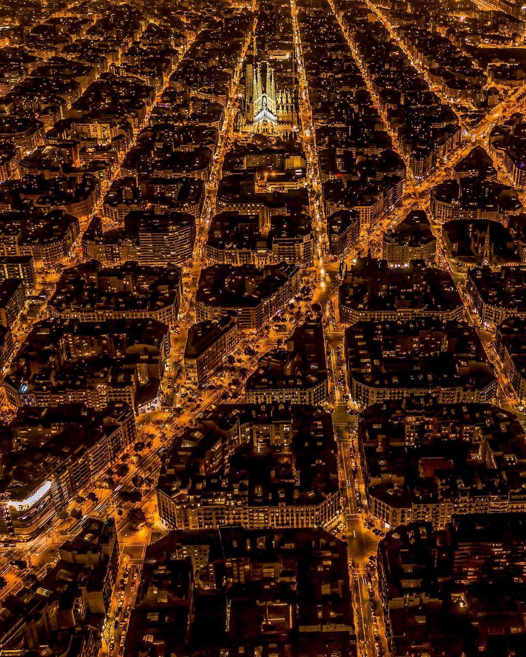Природные и городские пейзажи на аэрофотоснимках Эвота Пахуда де Мортанжа