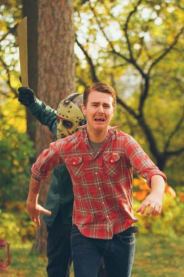 Забавная предсвадебная фотосессия в стиле фильмов ужасов