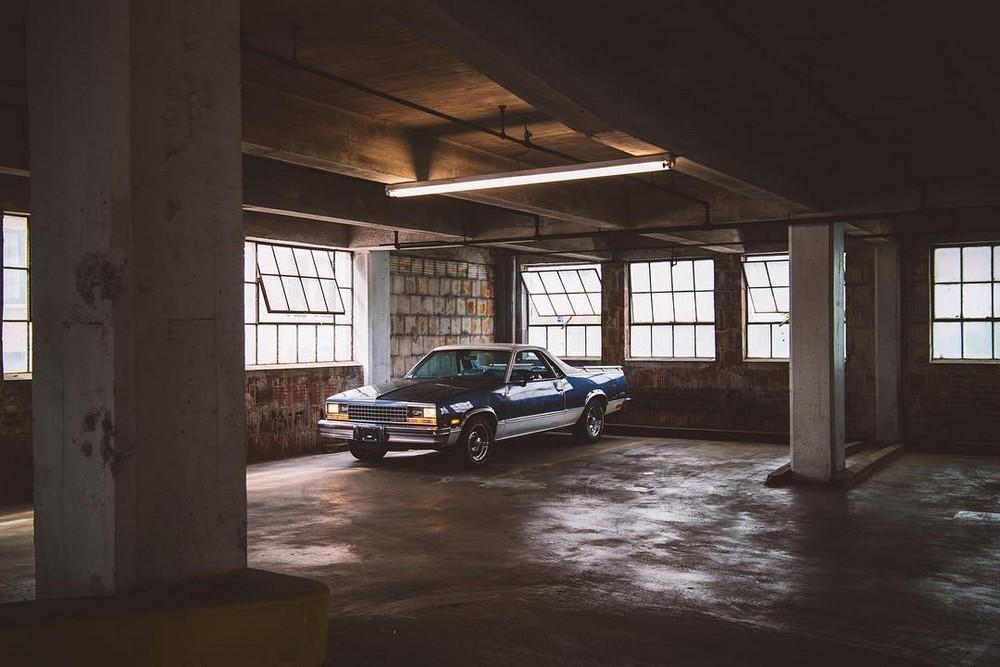 Мотоциклы и автомобили на снимках Мэтью Джонса