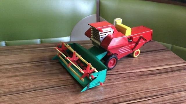 Развивающие советские игрушки для будущих работников