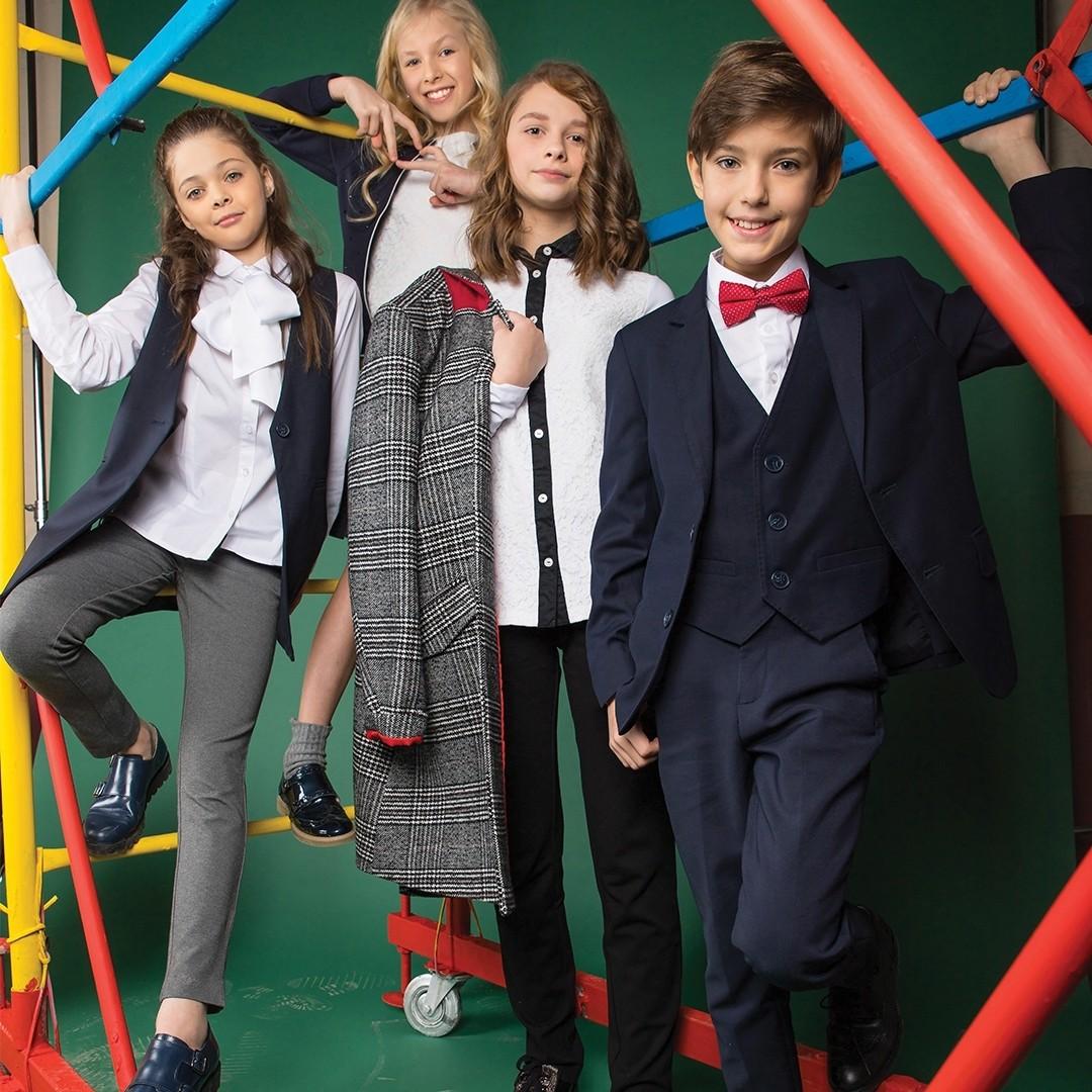 Школьные тренды 2019 года или какие луки и цветовые гаммы нынче в моде