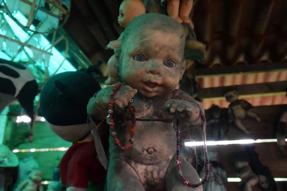 Жуткий мексиканский остров кукол, где слышатся крики утопленников