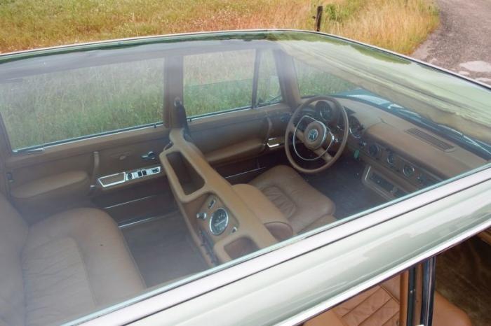 Лимузин Mercedes-Benz 1966 года со стеклянной крышей