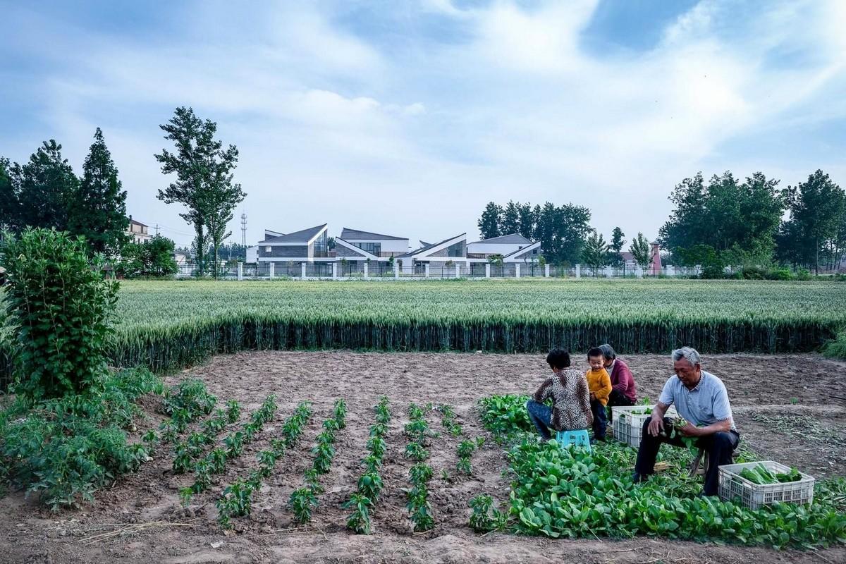 Детский сад напоминает маленькую деревню в Китае