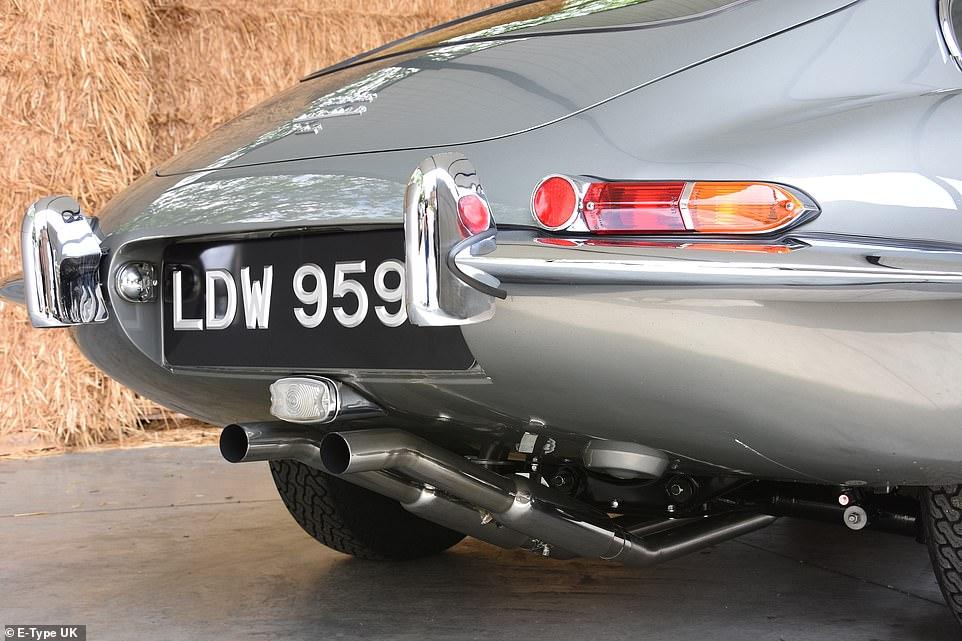 Восстановление винтажного Jaguar, который гнил в зарослях почти 30 лет