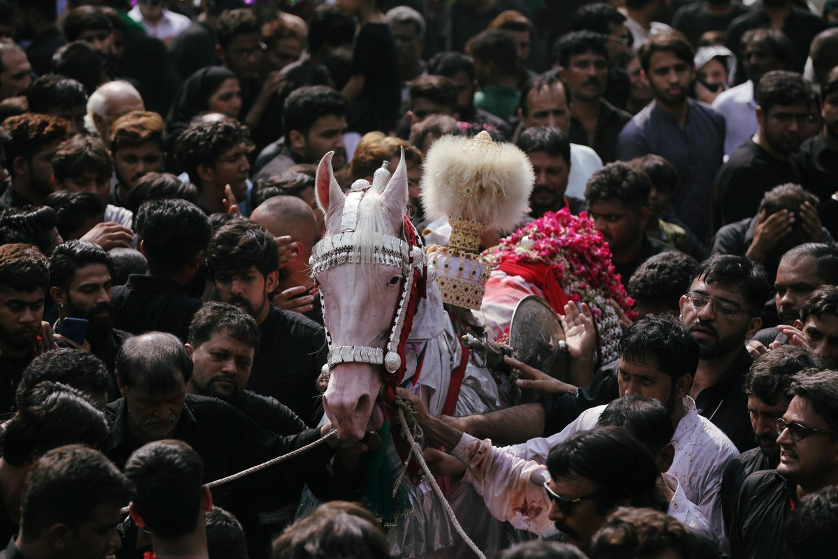 Траурные церемонии в день Ашура
