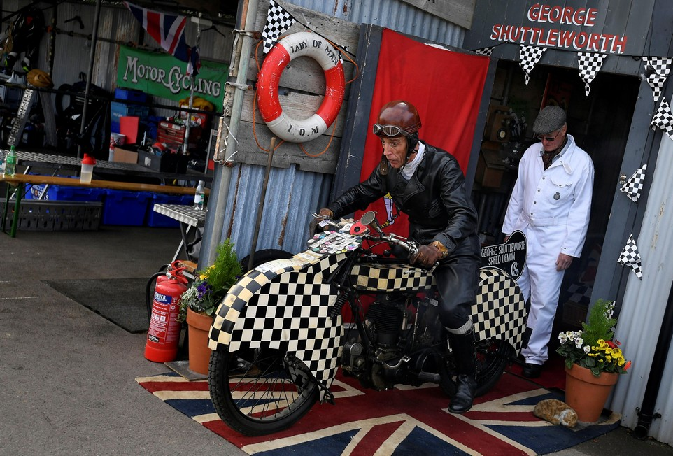 Ретро-фестиваль Goodwood Revival в Великобритании
