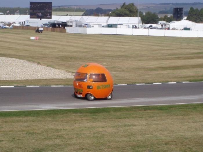 Апельсиновый и самый странный Mini в истории