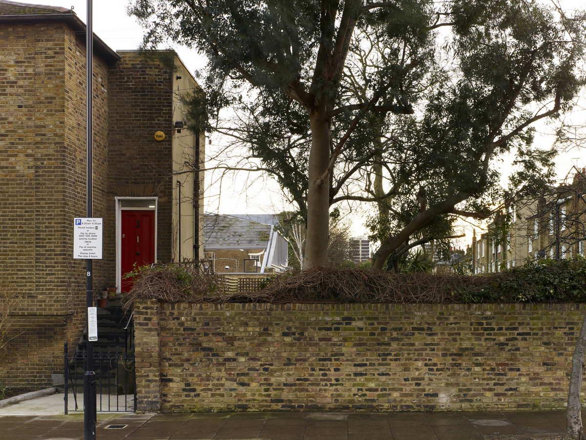Дом с садом на крыше в Великобритании