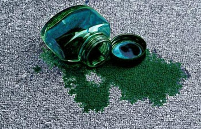 Простые способы отчистить зеленку с разных поверхностей
