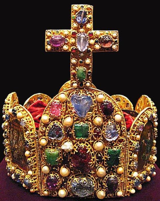 Знаменитые короны средневековых монархов