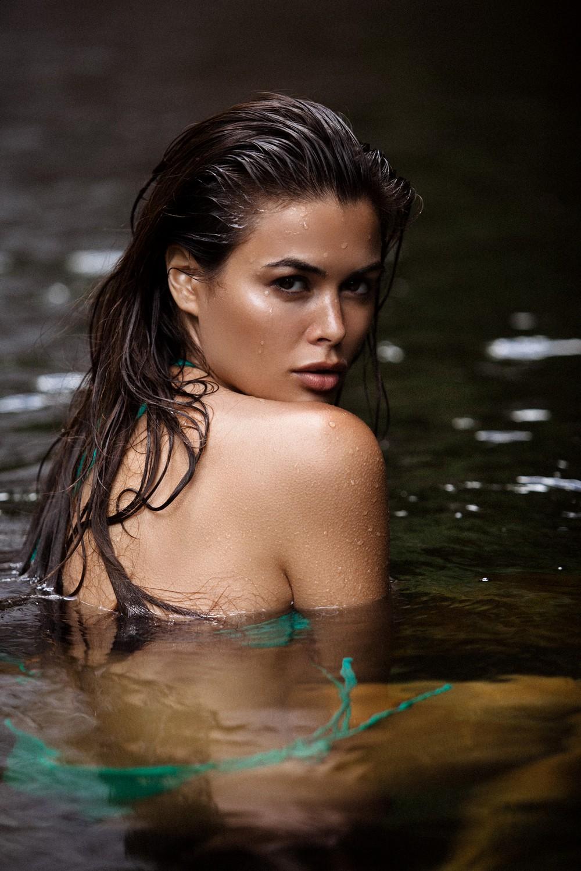 Красивые и мокрые девушки