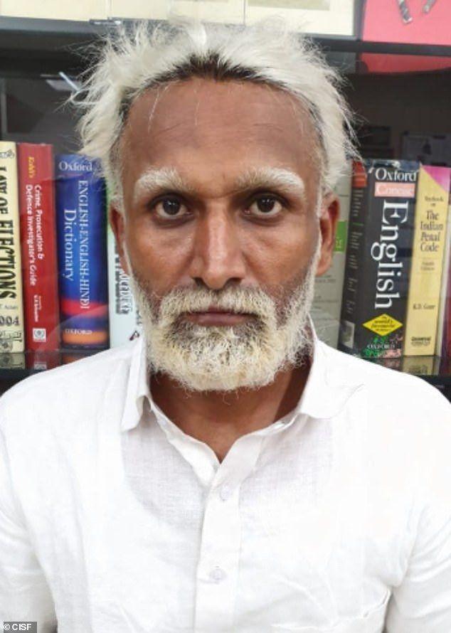 32-летний житель Индии прикинулся 81-летним стариком, чтобы улететь в США