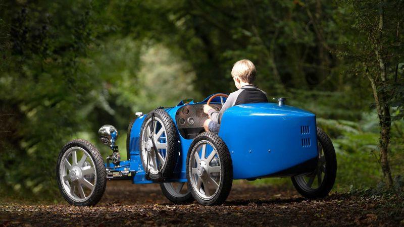 Легендарный Bugatti Type 35 для маленьких гонщиков