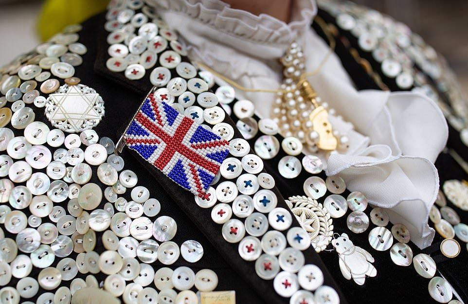 Ежегодный парад жемчужных королей и королев прошел в Лондоне