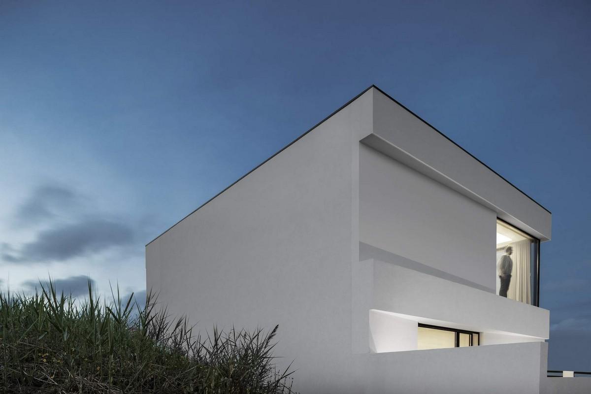 Стильный белоснежный особняк в Португалии