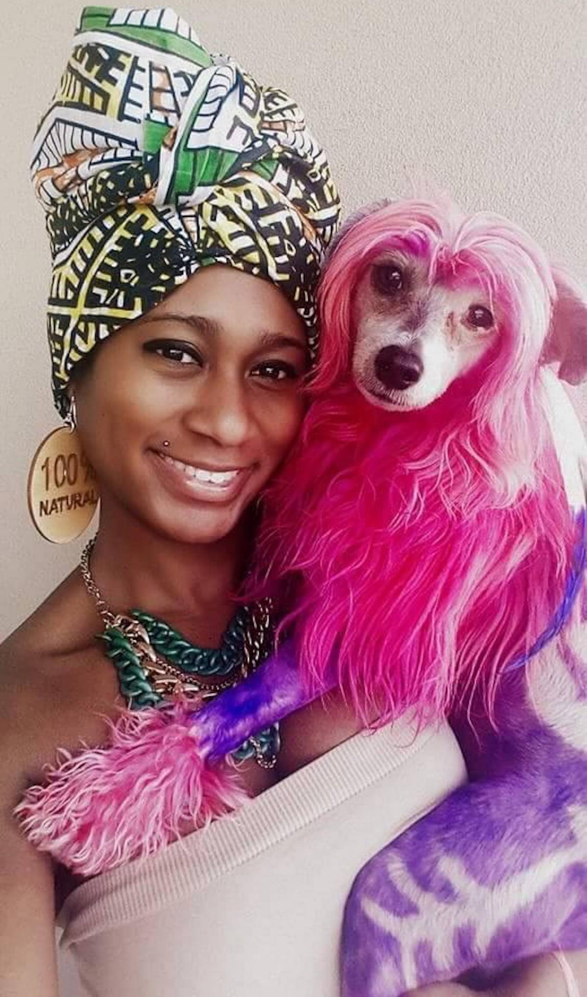 Американка разрисовывает собак, превращая их в яркие арт-объекты