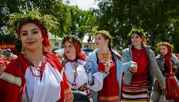 В каких неславянских народах больше всего славянской крови