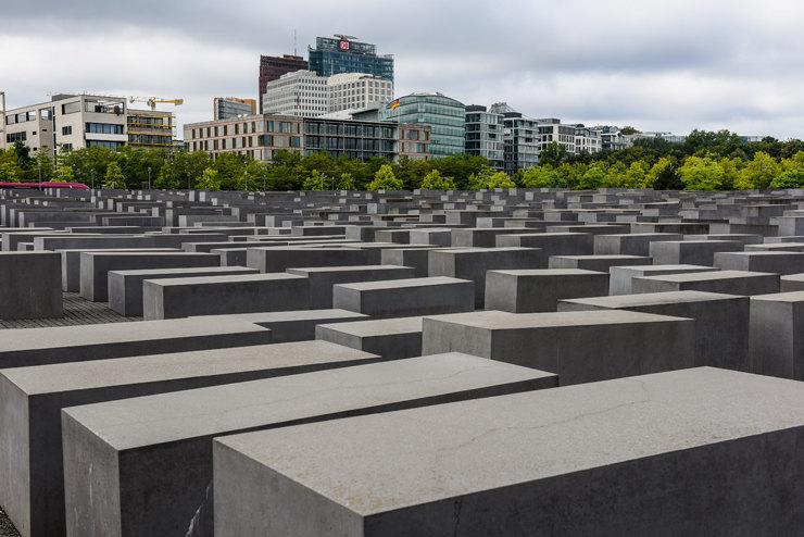 Жуткие памятники, от которых становится не по себе