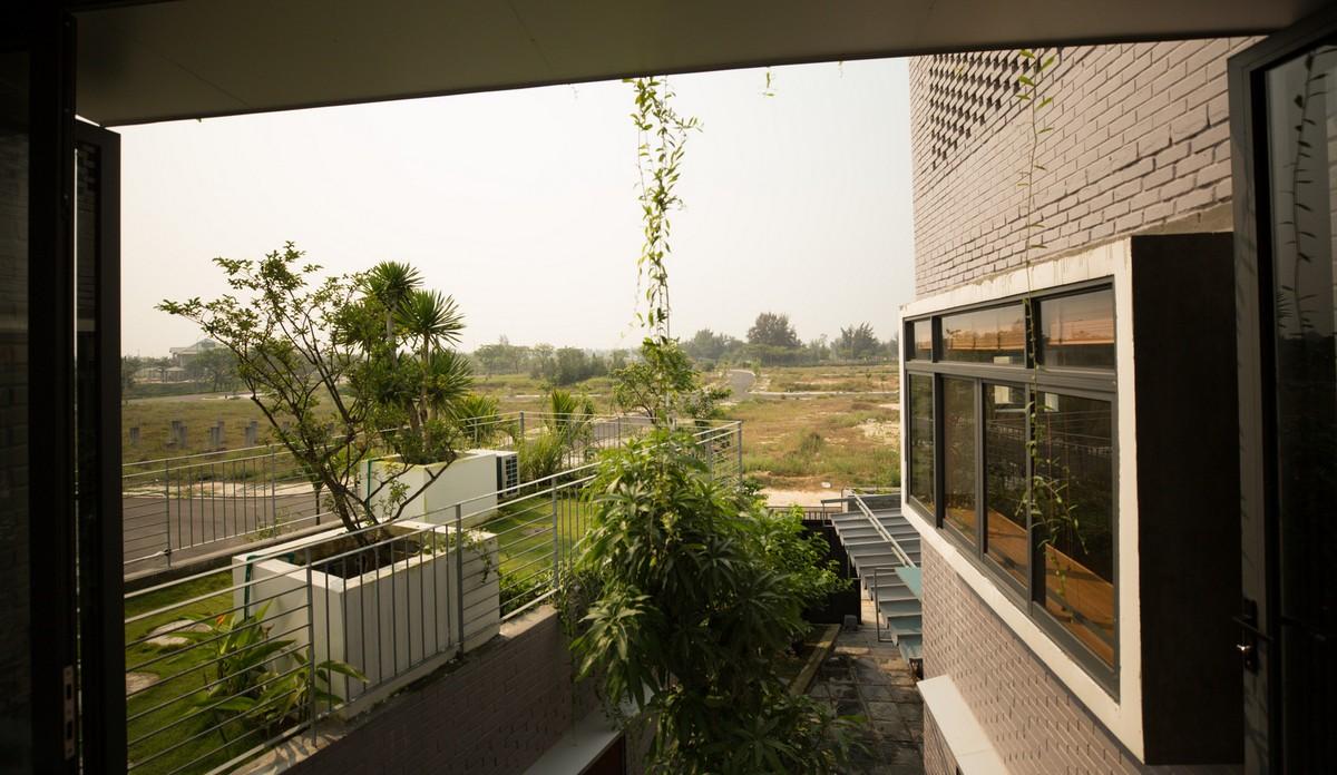 Дом во Вьетнаме с изолированными объёмами