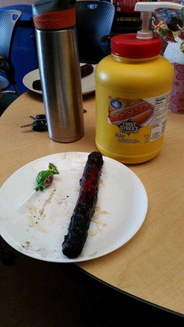 Фотографии офисных обедов, которые вгоняют в депрессию