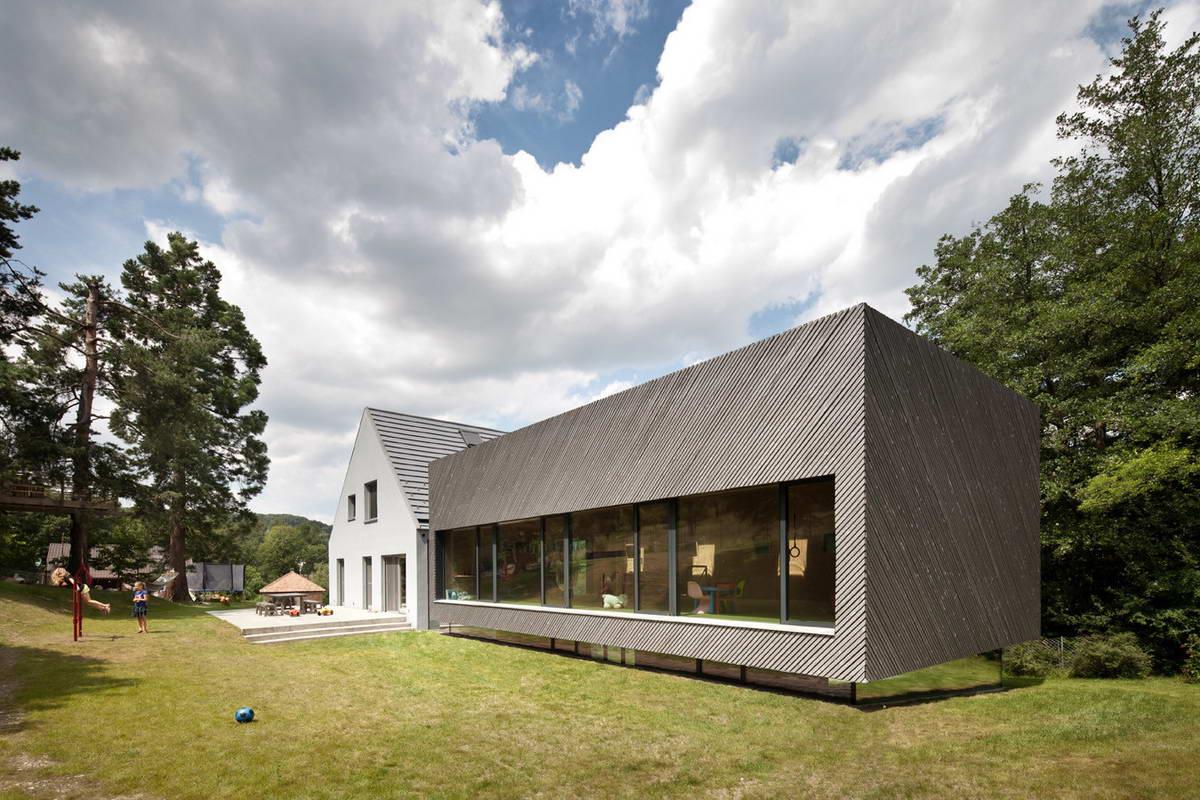 Растущий дом для семьи из трёх поколений в Австрии