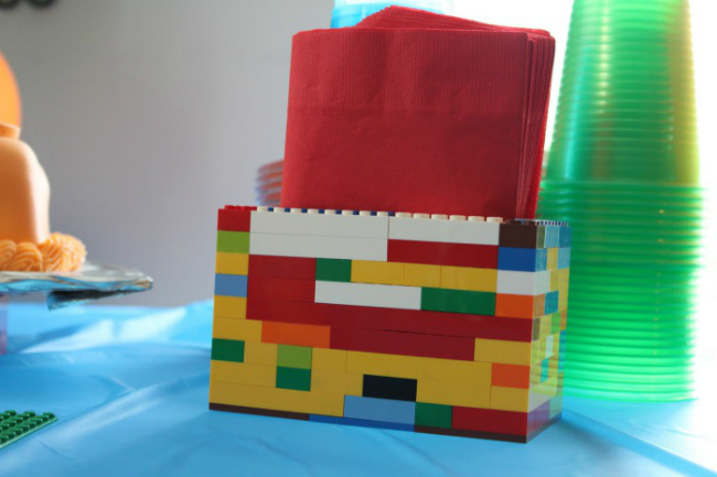 Необычные поделки из Лего, которые полезны в быту